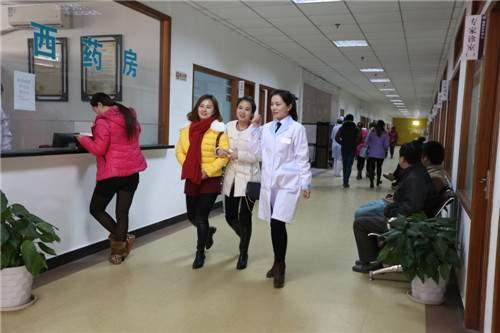 南京脑康中医医院候诊区走廊